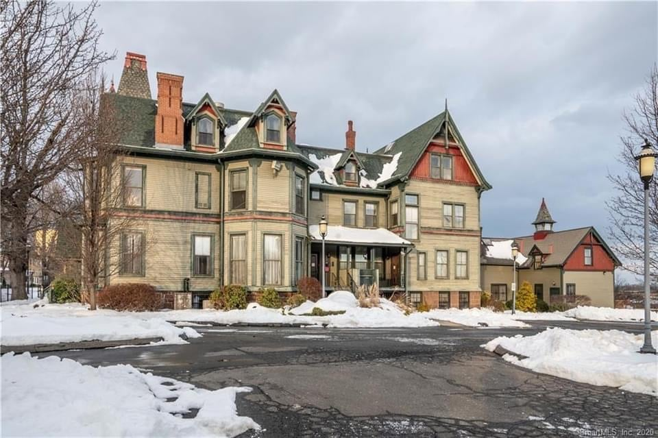 1890 Victorian For Sale In Hartford Connecticut