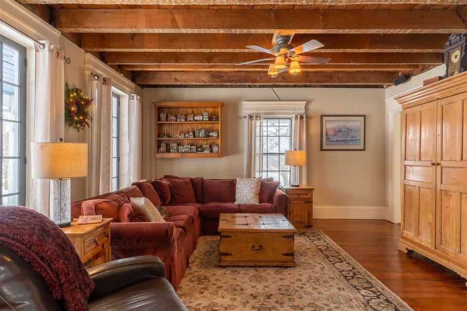 1825 Farmhouse For Sale In Middlebury Vermont