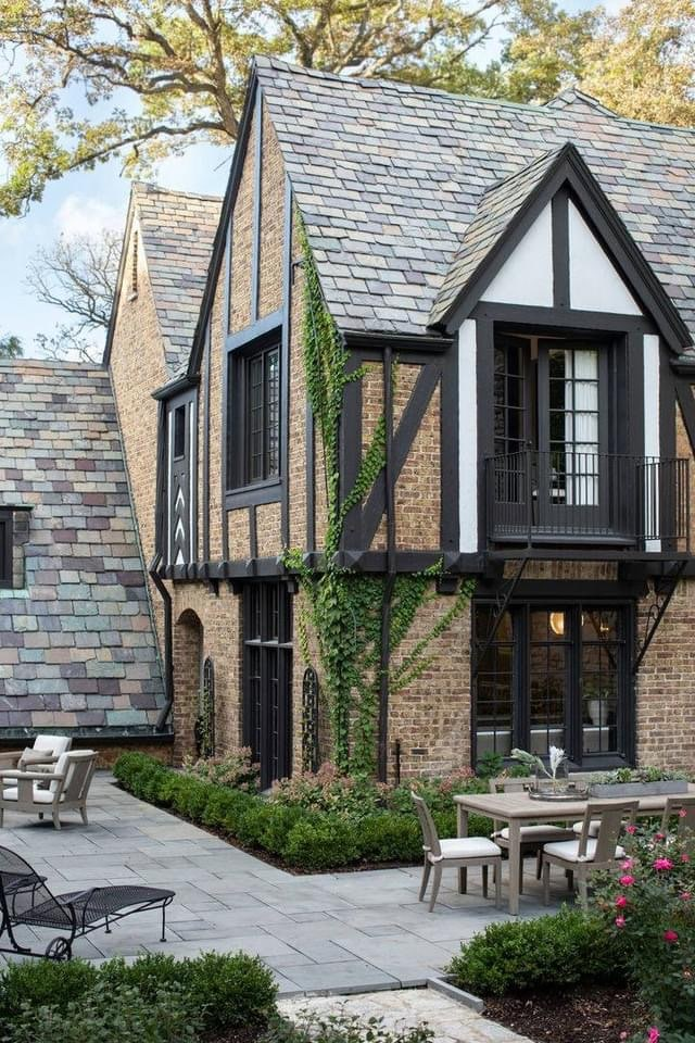 1928 Tudor Revival For Sale In Hinsdale Illinois