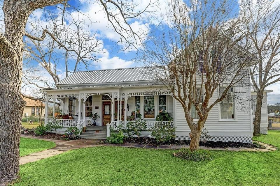 1900 Victorian For Sale In Fayetteville Texas