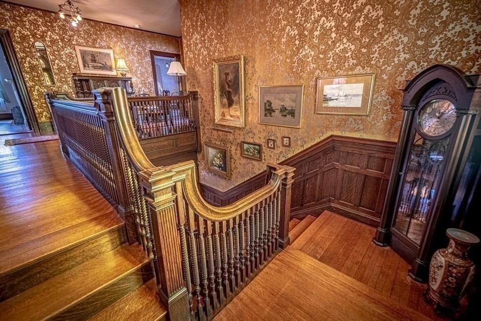 1901 Georgian Revival For Sale In Fall River Massachusetts