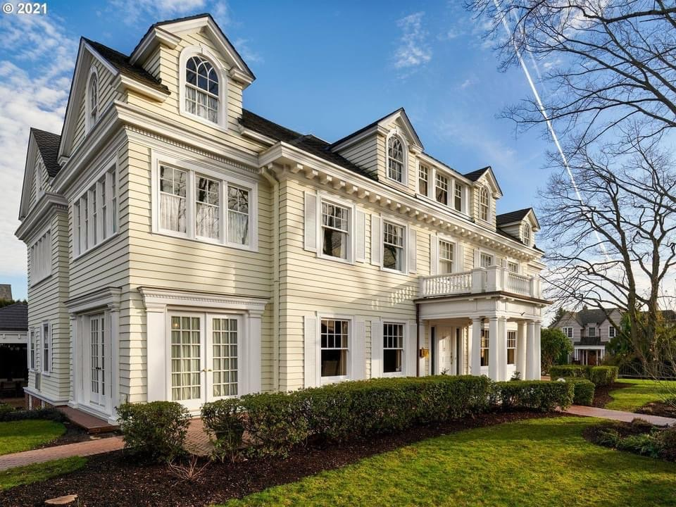 1915 Colonial Revival For Sale In Portland Oregon