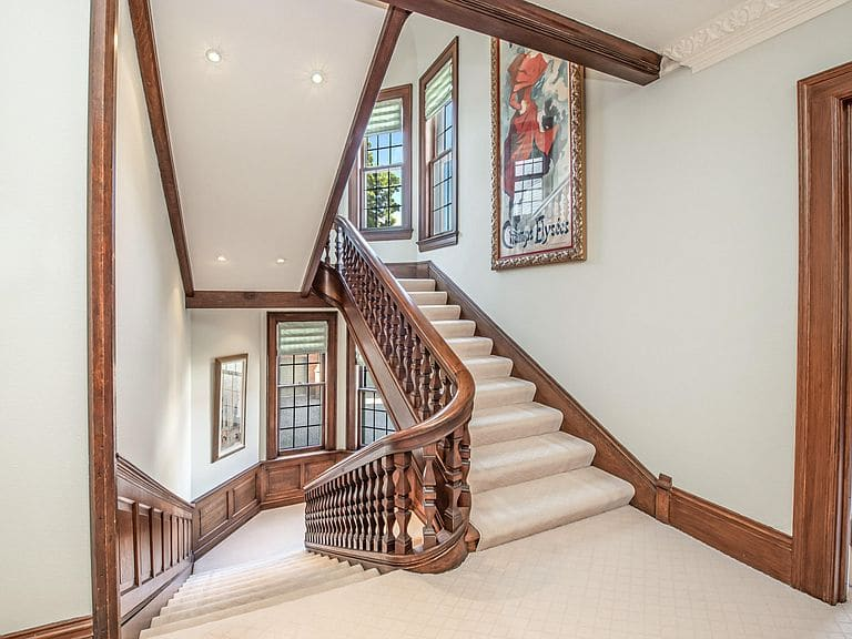 1896 Tudor Revival For Sale In Milwaukee Wisconsin