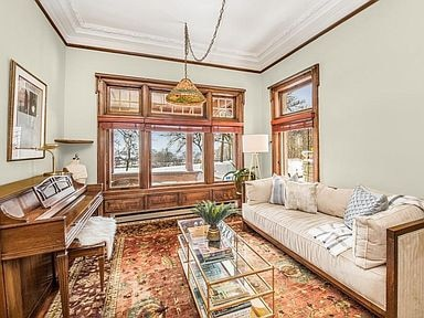 1897 Victorian For Sale In Milwaukee Wisconsin