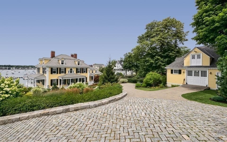 1896 Colonia Revival For Sale In Marblehead Massachusetts