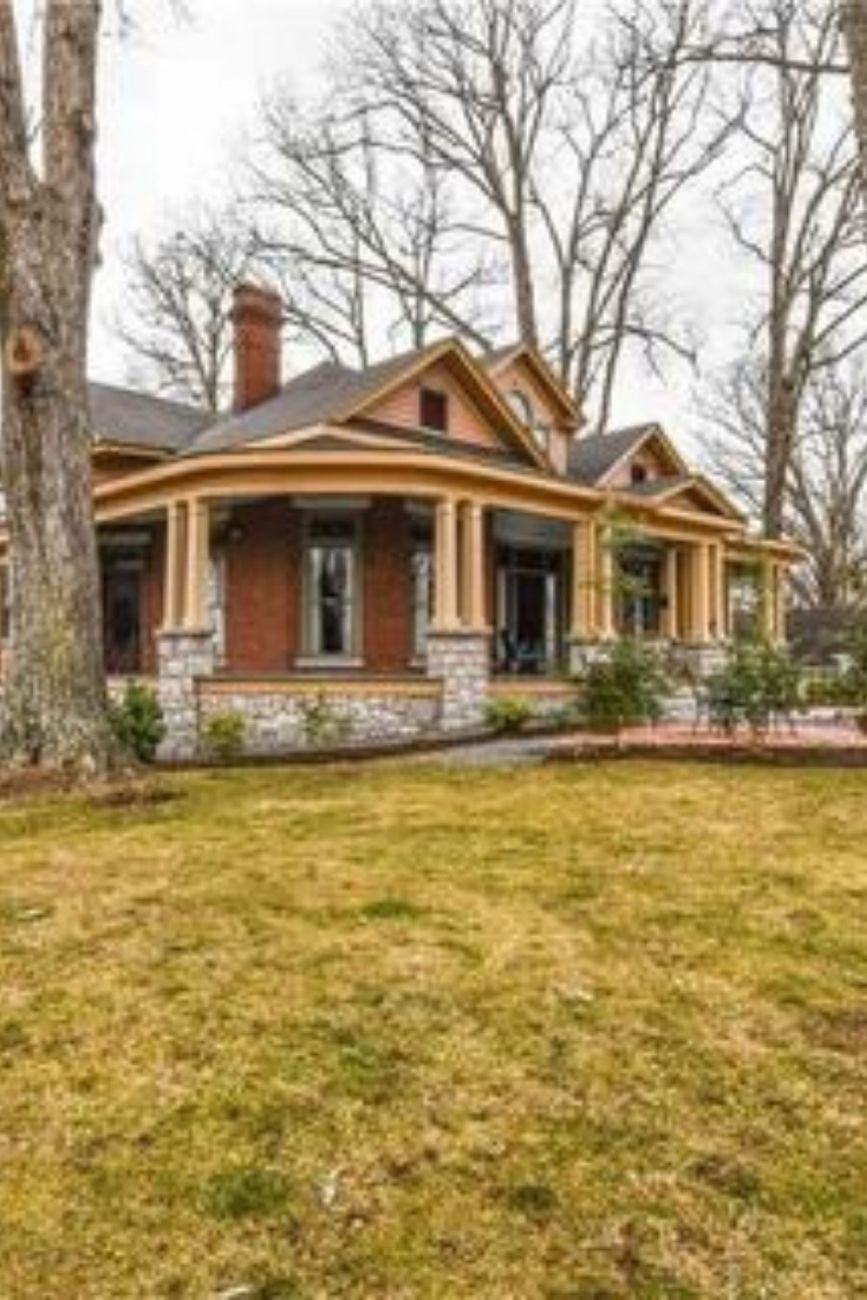 1909 Edgar Harvey Hennis House For Sale In Mount Airy North Carolina