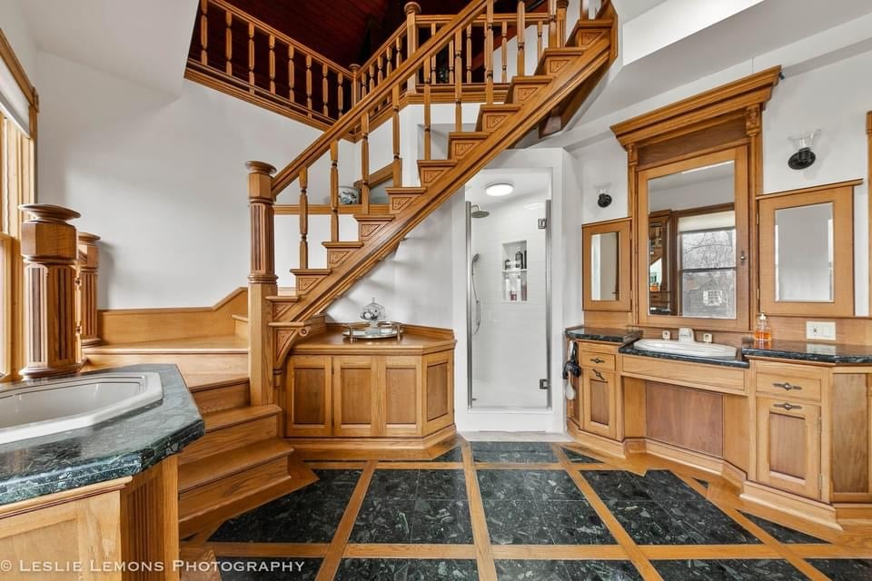 1884 Victorian For Sale In Dekalb Illinois