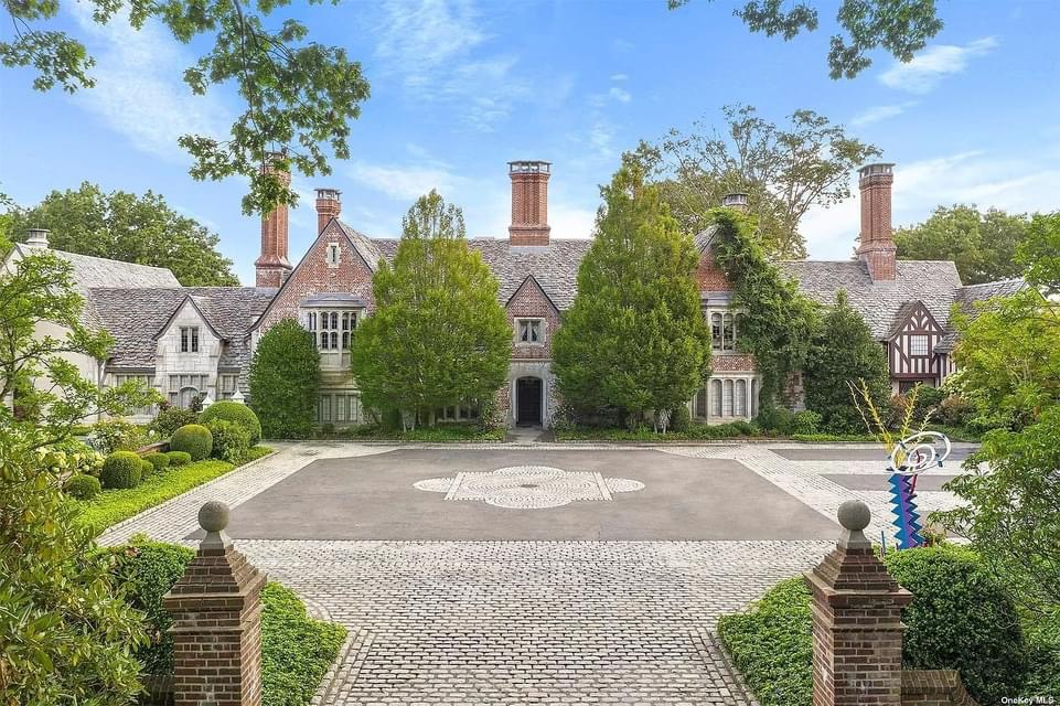 1937 Tudor Revival For Sale In Mill Neck New York