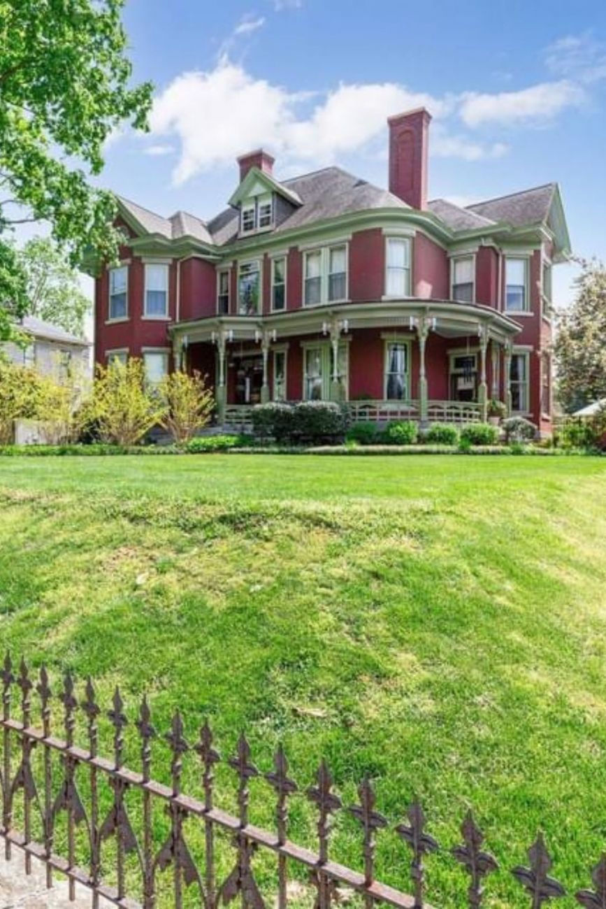 1904 Victorian For Sale In Springfield Tennessee