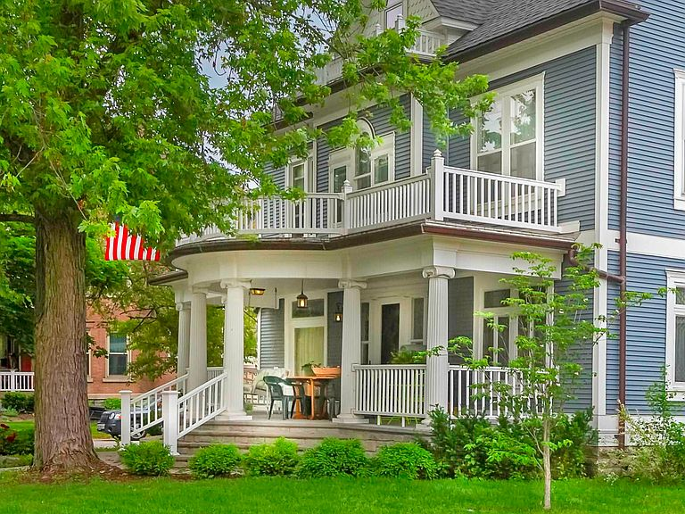 1890 Victorian For Sale In Bluffton Indiana