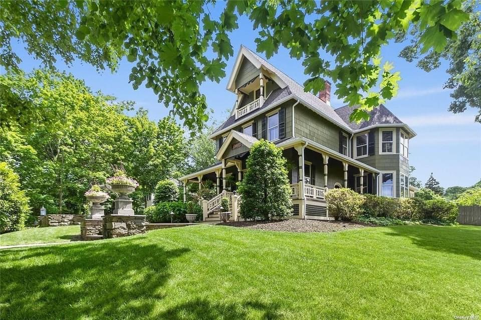 1887 Victorian For Sale In Port Jefferson New York