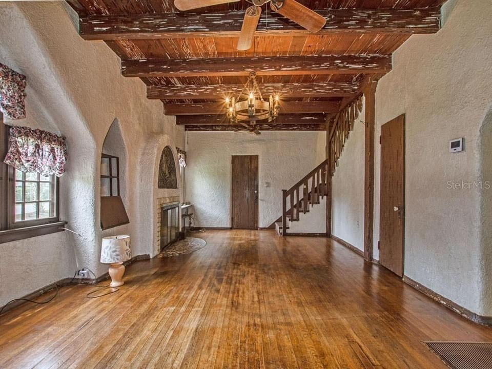 1926 Iconic Storybook Home For Sale In Mount Plymouth Florida