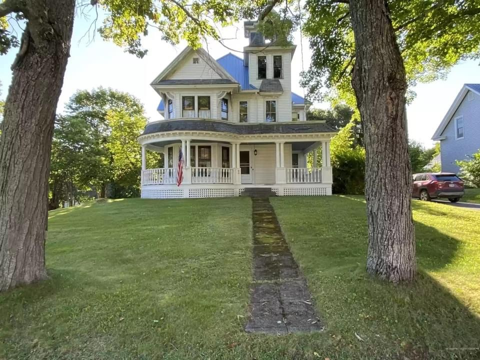 1893 Queen Anne For Sale In Island Falls Maine