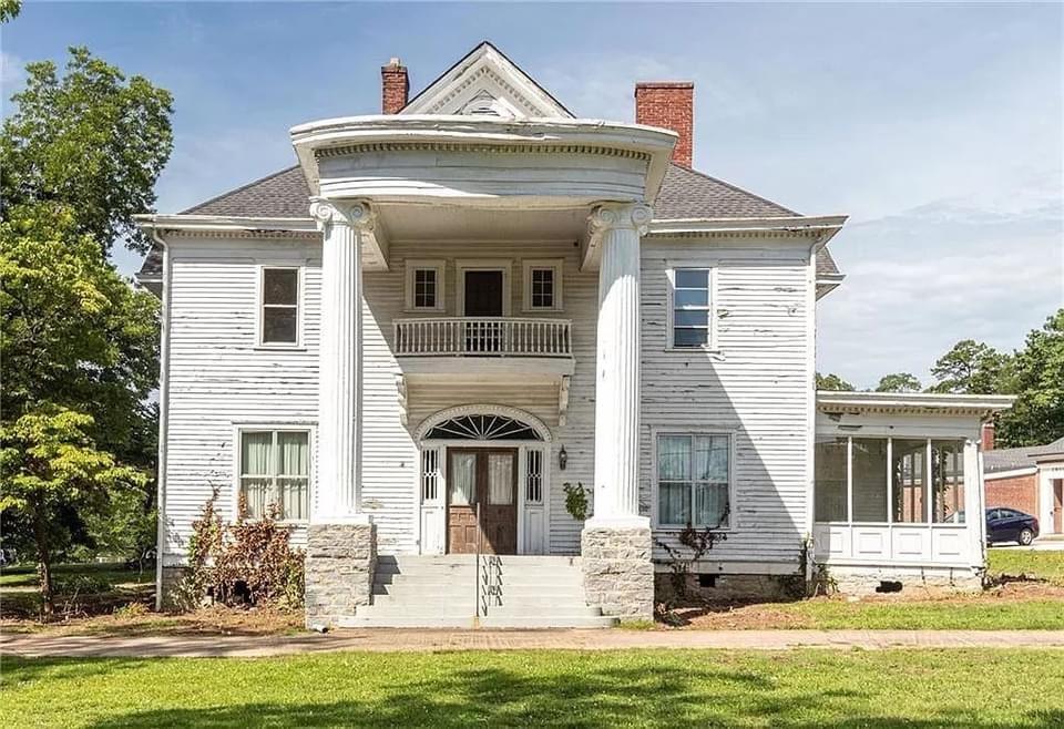 1830 Greek Revival For Sale In Monroe Georgia — Captivating Houses