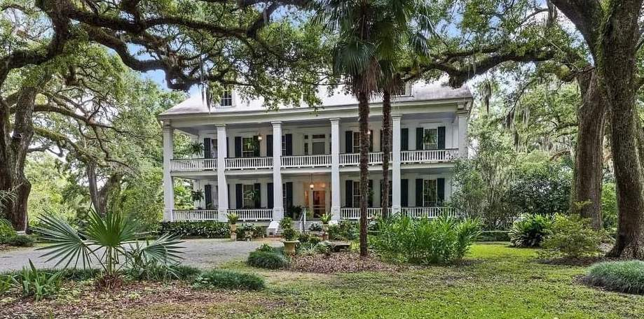 1842 Albania Mansion For Sale In Jeanerette Louisiana — Captivating Houses