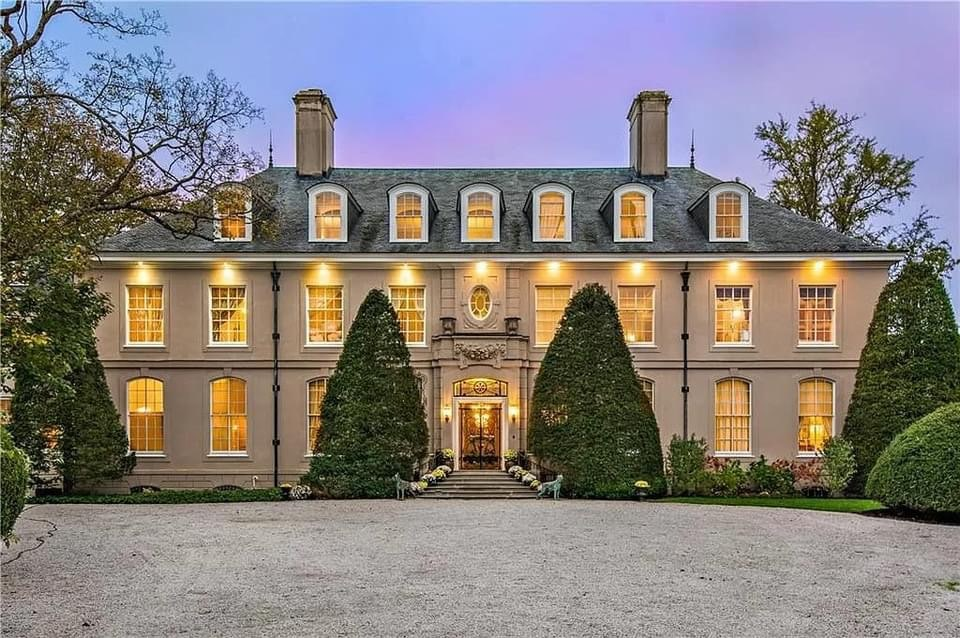 1927 Mansion For Sale In Newport Rhode Island — Captivating Houses