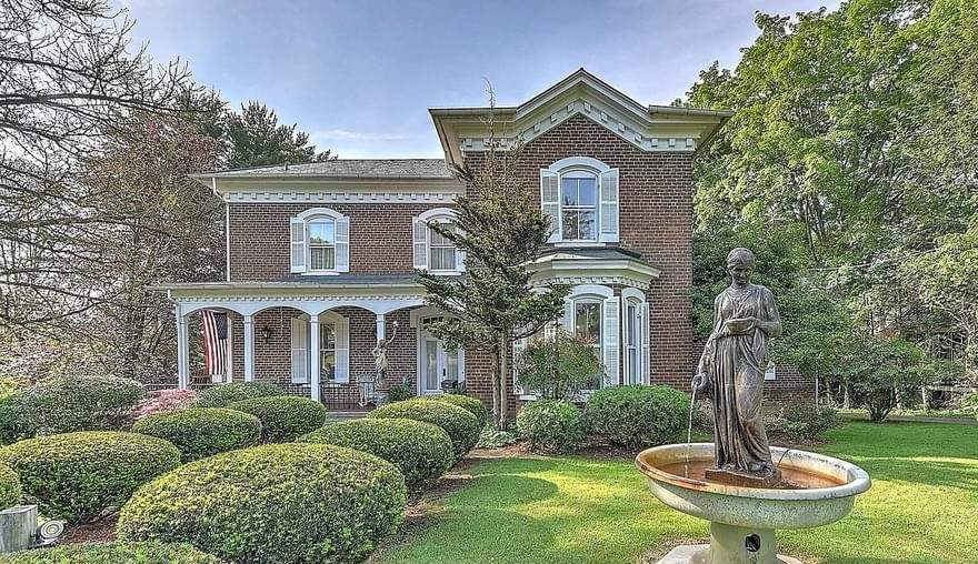 1879 Italianate For Sale In Jonesborough Tennessee — Captivating Houses