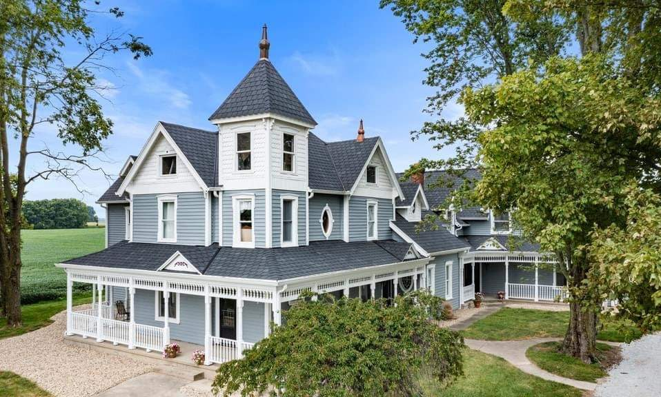 1895 Victorian For Sale In Lewisville Indiana — Captivating Houses